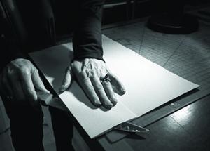 87gutenberg-effect-cutting-paper