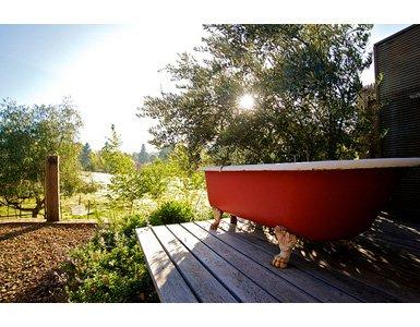 30my-lovely-bathtub385x300