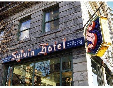 77twenty-one-haiku-sylvia-hotel-bar385x300
