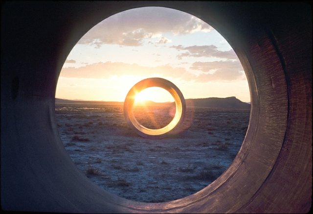 Sunlight in Sun Tunnels, 1976.