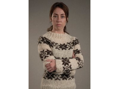 103sarah-lunds-sweater400x300.png